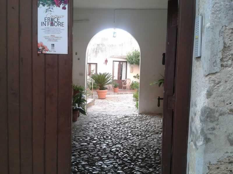 Erice courtyards