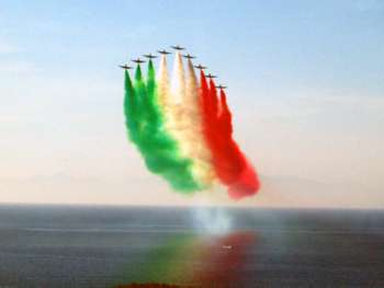 7 aerobatic teams in Trapani: Fly for Peace