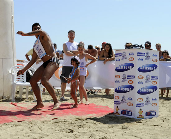 Throw of the mobile phone competition in San Vito lo Capo