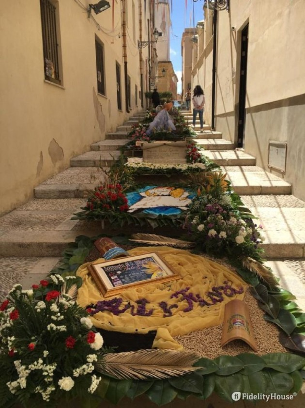 Stairway of San Domenico: art and flowers