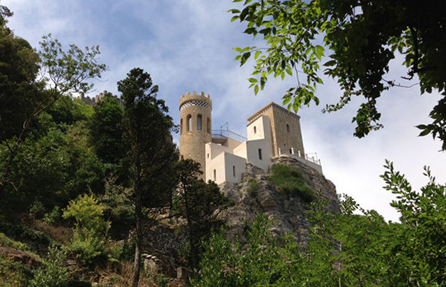 Naturalistic paths of Erice
