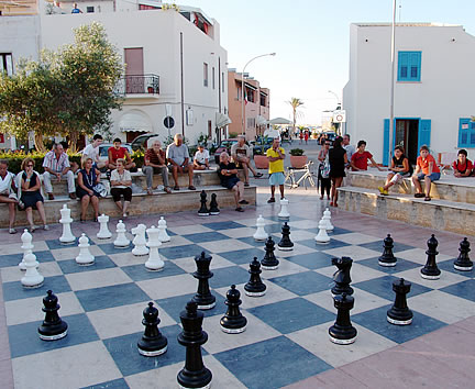 Giant chess tournament in San Vito lo Capo
