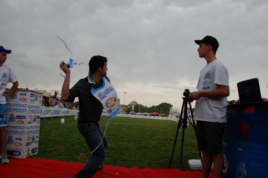 Trapani ospita il campionato di lancio del telefonino