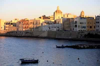 An evening at the historic center of Trapani