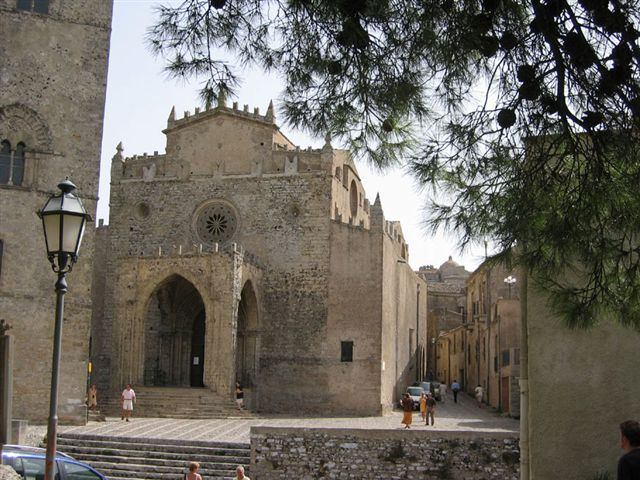 Erice: after Christmas market, here they come casual markets
