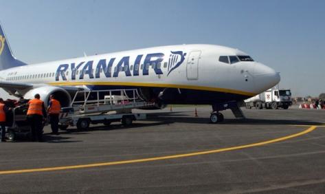 Aeroporto, debutta il volo Parma Trapani targato Ryanair