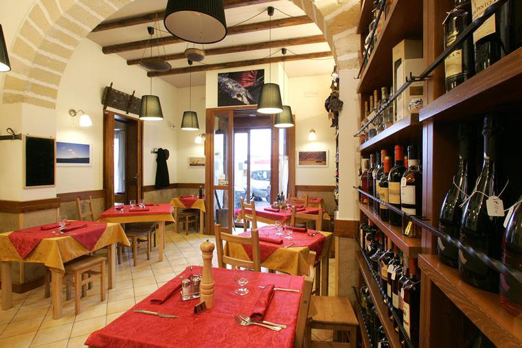 Osteria Vineria a Casa Mia  Via Ammiraglio Staiti, 83 - 91100 Trapani