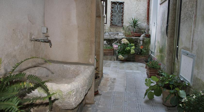 AffittacamereLa Porta Del Balioerice