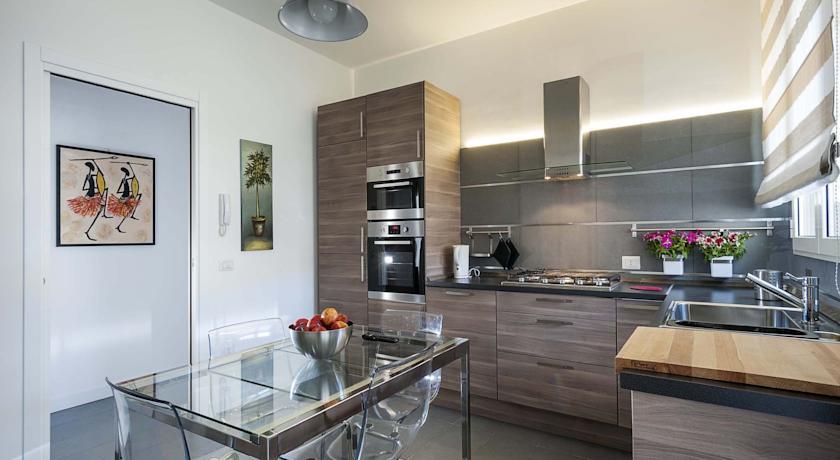 Appartamenti marsala suite a marsala da 30 a 70 a persona for Foto case arredate moderne