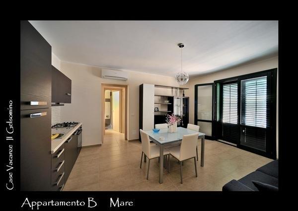 Case Vacanza - Via Simone Corleo 1, 91023 Favignana (TP)