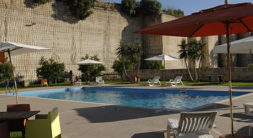 HotelCave Bianche