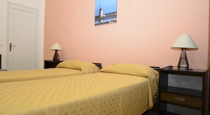 HotelDei Fenici