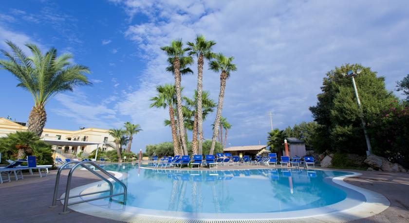 HotelDelfino Beach