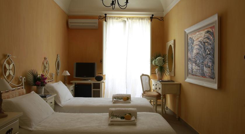 Hotel - Via Cristoforo Colombo 17 - 91023 Favignana