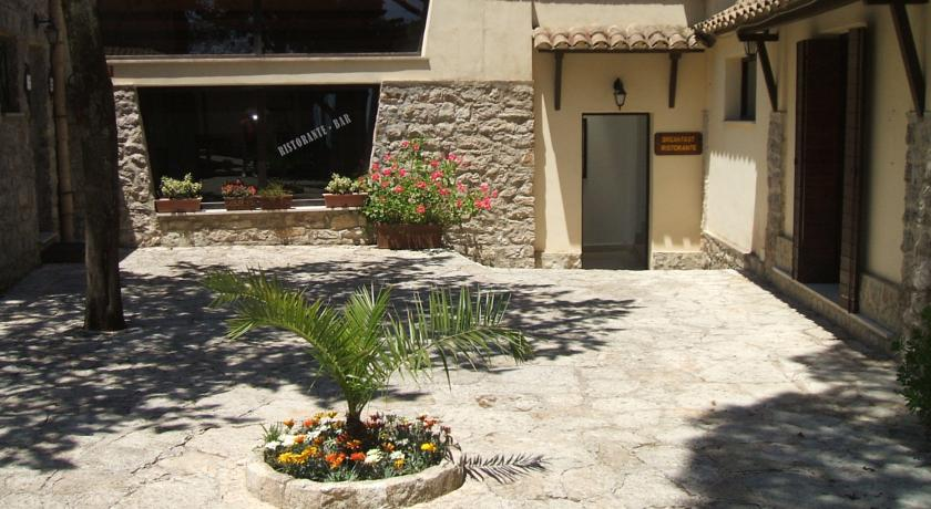 HotelLa Pinetaerice